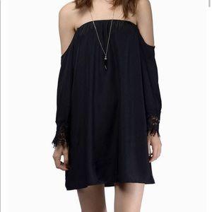 NWT Off-the-shoulder black Tobi Dress Sz XS